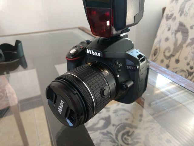 Câmera Nikon D5300 + Lente 18-55mm + Flash + Mochila + Radio flash