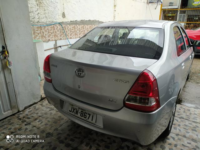 Etios sedan 1.5 x - Foto 3
