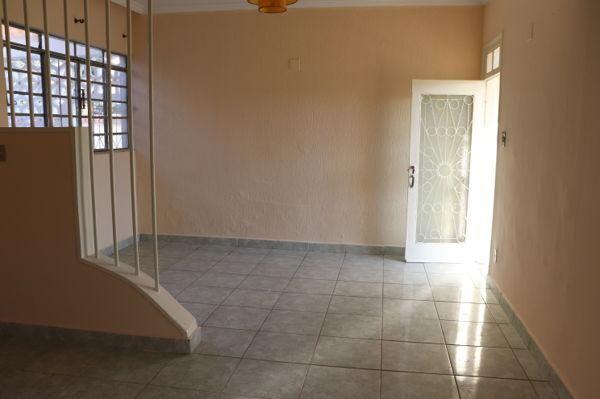 Casa com 3 quartos - Bairro Setor Aeroporto em Goiânia - Foto 9