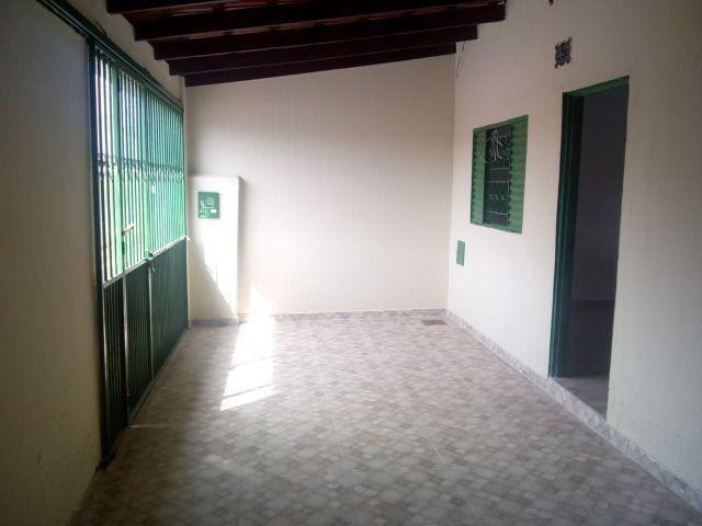 Aluga-se Ótima casa sozinha no lote em Samambaia Norte - QR 206 - Foto 5
