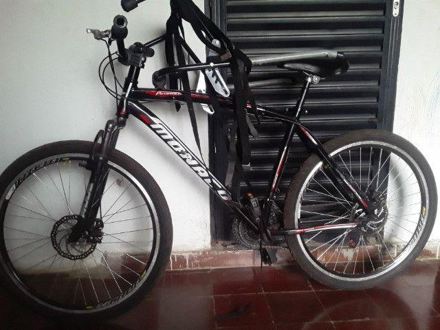 Bicicleta e suporte  - Foto 2