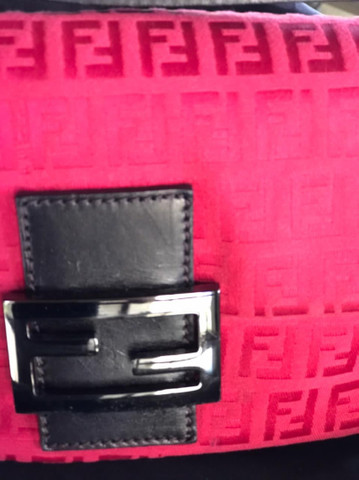 Bolsa Fendi Monograma Mini Vermelha  - Foto 2