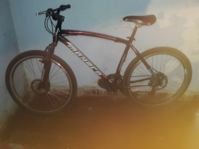 Bicicleta e suporte  - Foto 3