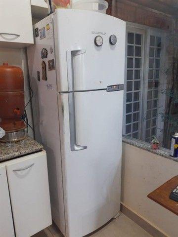 Refrigerador Brastemp  BRM 42