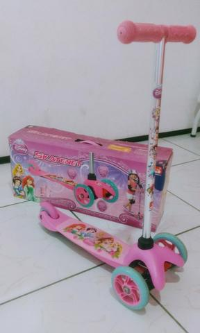 Patinete das princesas Disney