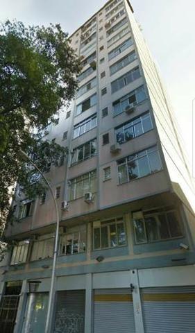 Apartamento na Glória 50 m2, condomínio fechado, vista aberta, todo reformado