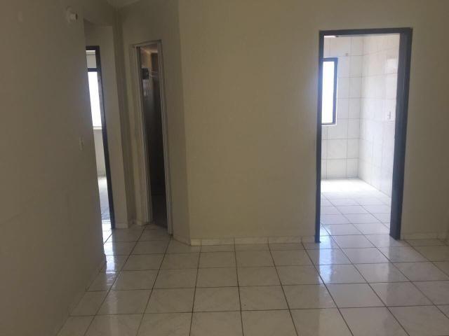 Alugo apartamento - José Tenório