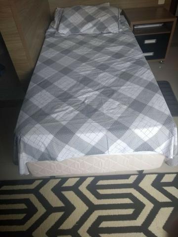 Cama box com cama auxiliar D60, super confortável