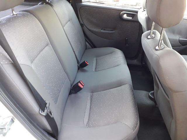GM-Corsa Hatch 09 Premium 1.4 Flex, Troco e Financio - Foto 18