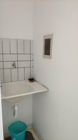 Alugo Apartamento 70 mt² 2/4 prox Av Maria Quitéria garagem coberta tx cond incluída - Foto 19
