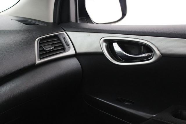 Nissan Sentra S 2.0 Flex Manual - 2015 - Foto 16