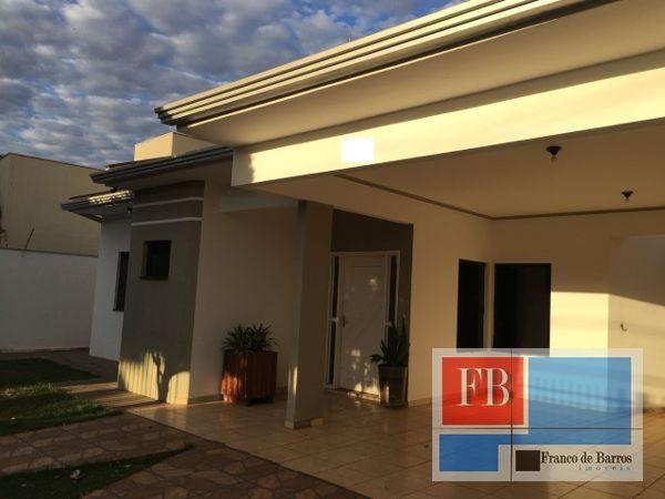 Casa  com 3 quartos - Bairro Residencial Santa Marina em Rondonópolis