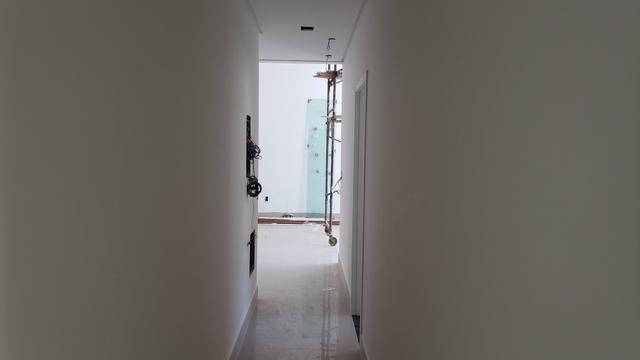Casa Nova 3suites churrasqueira rua 5 Vicente Pires condomínio fechado - Foto 5