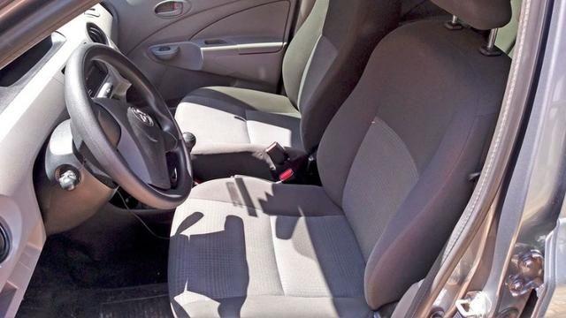 Toyota Etios 1.5 Sedan 2013 Flex Conservado IPVA e Licenciamento 2020 Pagos - Foto 3