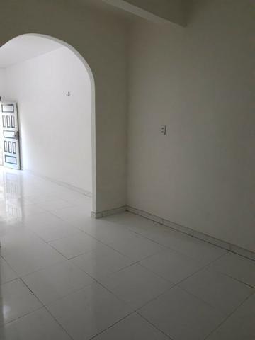 Alugo Casa no Parque 10 com 1 Quarto, Fica bem no Centro do Parque 10 - Foto 4