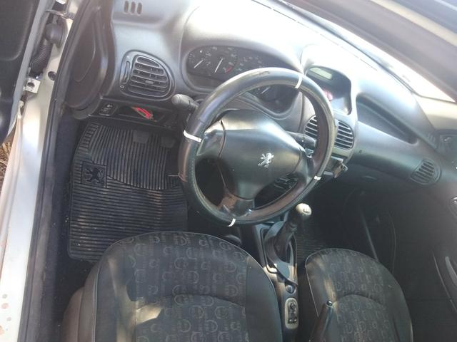 Vendo Peugeot 206 2008 completo de tudo - Foto 4