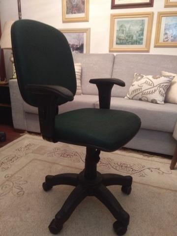 Cadeira de escritório executiva Danna