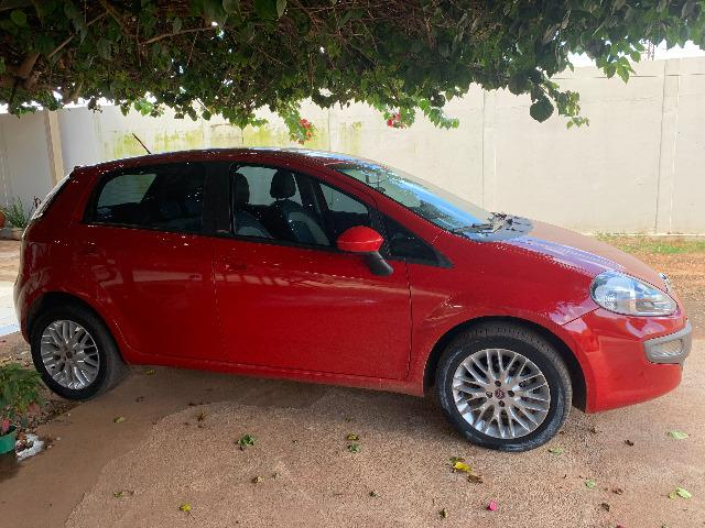 Fiat Punto essence 1.6 2013/2014, 5P/117CV
