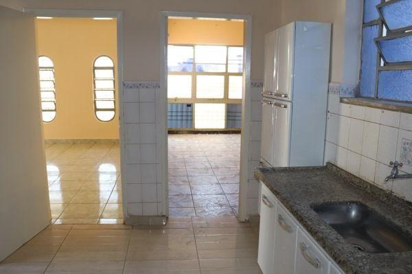 Casa com 3 quartos - Bairro Setor Aeroporto em Goiânia - Foto 11