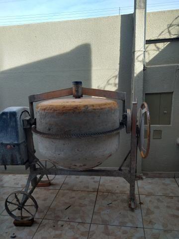 Vendo bitorneira com poucos dias de uso completa por 1.200. 400 litro - Foto 2