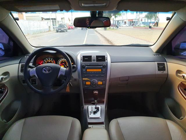 Corolla Altis 2.0 Automático - Foto 14