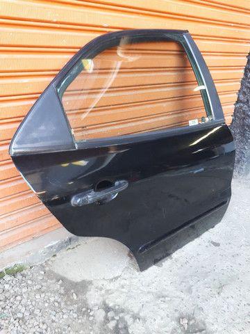 Porta traseira direita fiat brava 99 (SO A LATA) - Foto 3