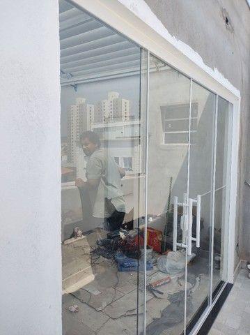 Porta balcão 2larg x2,10alt vidro temperado incolor de 8 mm - Foto 3