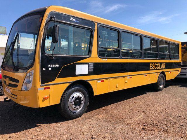 Ônibus escolar ano 2011/2011 Caio Foz 15-190 Em Cascavel,PR