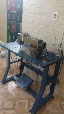 Duas maquina de costura