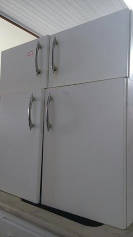 Armario aéreo 2 portas para lavanderia