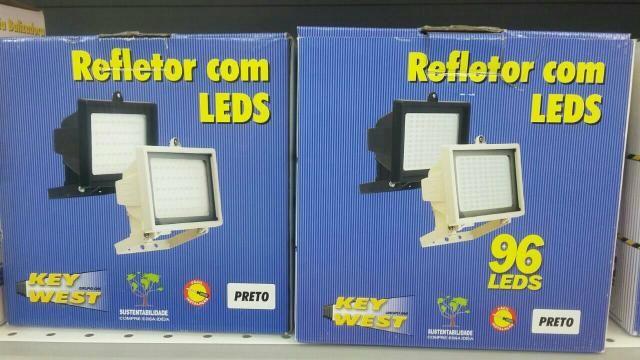 Refletor 96 leds instalado