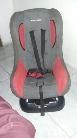 Vendo cadeira com o suporte ela só ta faltando o foro de dentro mas ta toda Boa com cinto