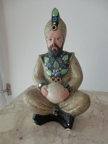 Estatueta de guru indiano em gesso, c/ pintura artesanal, década 70, leia abaixo: Raridade