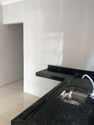 Vende-se casa 2/4 em Goiânia