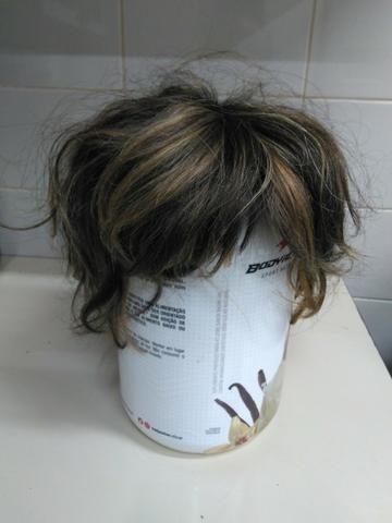 Peruca de cabelo natural. Asa Norte. 61998221942. 6130248338. Brechó da Dona Lili