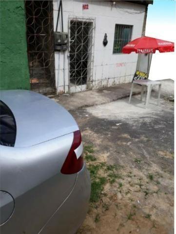 Casa só térreo local familiar e fácil acesso, carro vai na porta - Foto 2