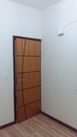 Alugo casa reformada no Engenho Novo, sala, 03(três) quartos e dependências - Foto 8