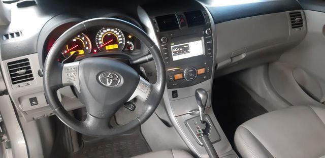 Toyota corolla xei aut 2013/2014 facilitamos sua entrada no cartao de credito - Foto 3
