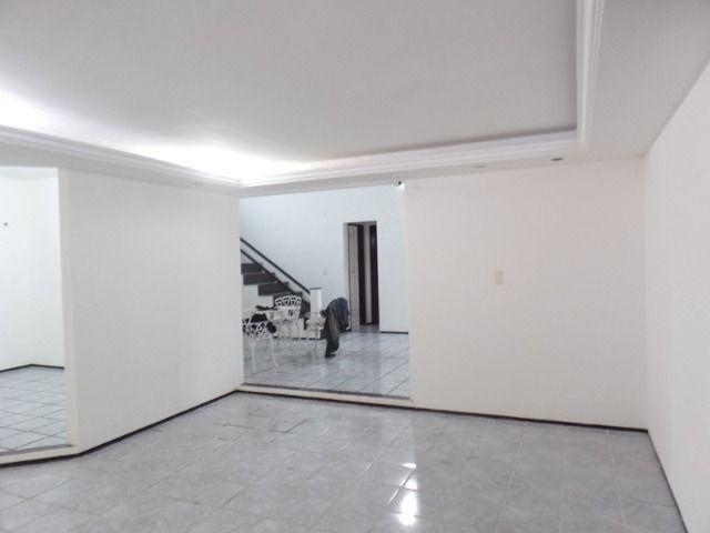 Casa duplex para locação no bairro cidades dos funcionarios, com piscina 4 suites - Foto 6