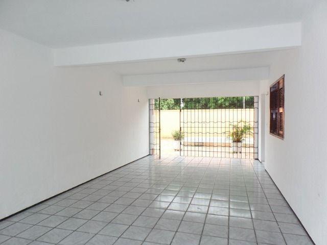 Casa duplex para locação no bairro cidades dos funcionarios, com piscina 4 suites - Foto 3