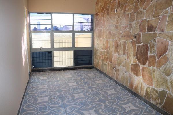 Casa com 3 quartos - Bairro Setor Aeroporto em Goiânia - Foto 12