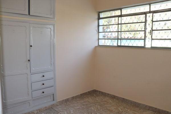 Casa com 3 quartos - Bairro Setor Aeroporto em Goiânia - Foto 20