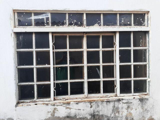 Vendo janelas 1.10cm x 1.50cm  - Foto 2