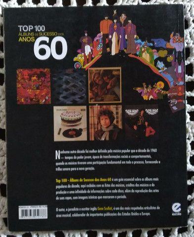 Livro TOP 100 Albuns de Sucessos dos Anos 60 - Foto 2