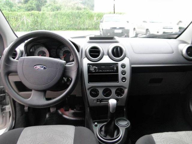 Ford Fiesta Sed. 1.6 8V - Foto 4