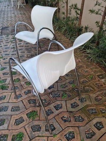 Cadeira polipropileno branca usada - Foto 2