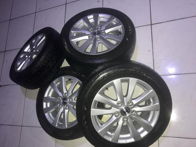 Aro Civic 16 com pneus