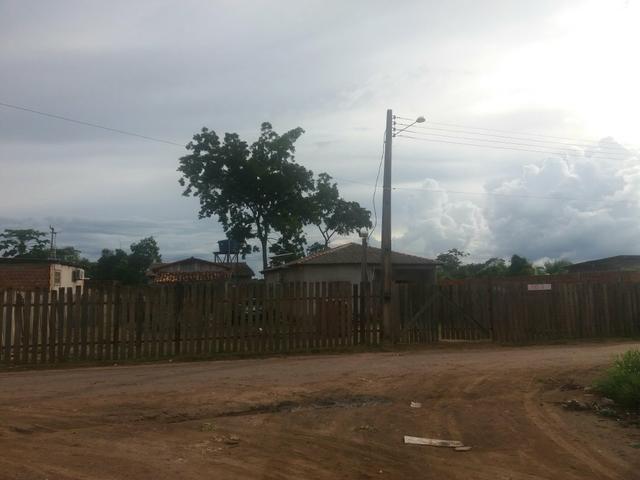 Vendo Casa com Terreno medindo 20X25