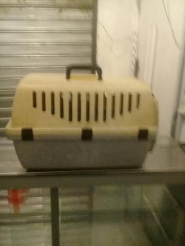 Vendo duas caixa de transporte animal