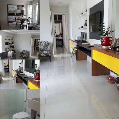 Amplo Apartamento Quarto e sala em Jardim Camburi na segunda quadra do mar